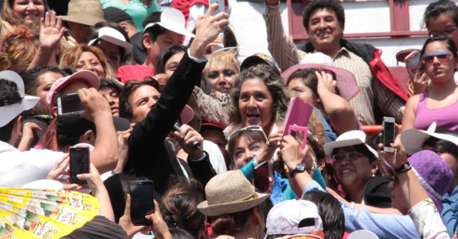 Mane de la Parra-Celebrities Mexico-Plaza de Toros-SNTE (3)