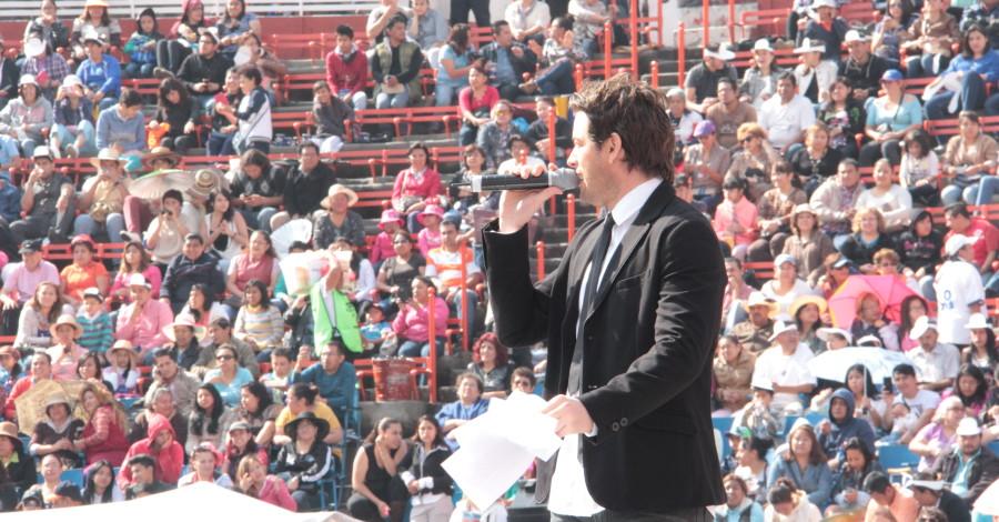 Mane de la Parra-Celebrities Mexico-Plaza de Toros-SNTE (5)